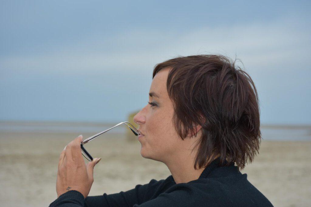 Suzanne Rust op het strand